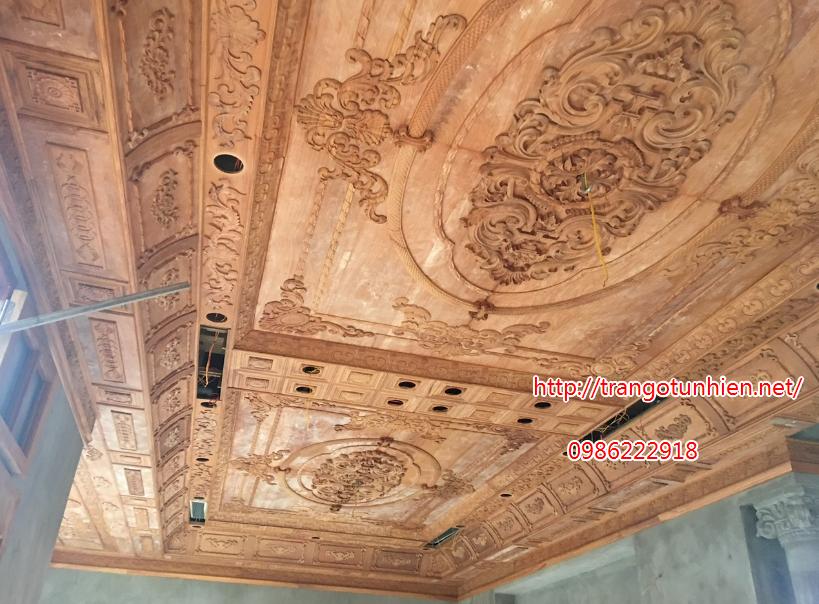 trần gỗ cổ điển đẹp 2020