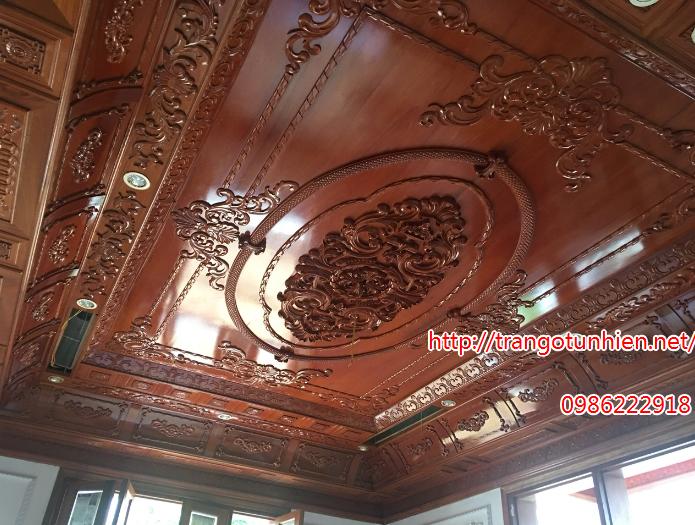 trần gỗ cổ điển